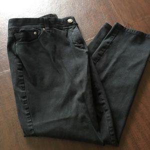 CHICOS So Slimming Black Lightweight Jeans 2 Short